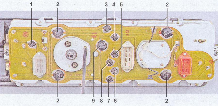 lampy-paneli-priborov-07