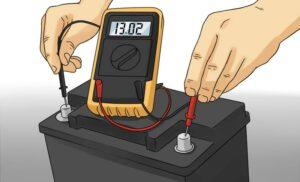 проверка аккумулятора мультиметром